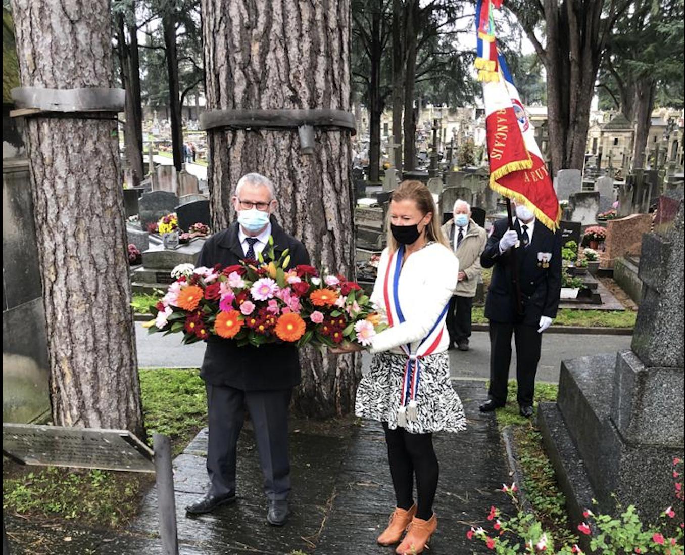 Karine Engel, lors de la cérémonie du 1 novembre au cimetière de l'est